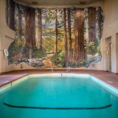 The Redwood Riverwalk Hotel с домашними животными