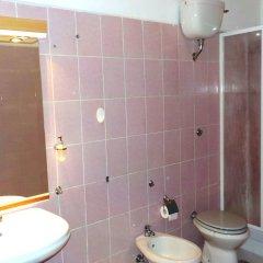 Отель Tourist House Италия, Остия-Антика - отзывы, цены и фото номеров - забронировать отель Tourist House онлайн ванная фото 2