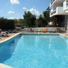 Отель Apartamentos Marthas Suite бассейн