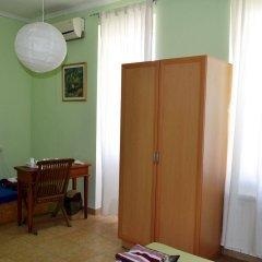 Отель Хостел JR's House Армения, Ереван - 1 отзыв об отеле, цены и фото номеров - забронировать отель Хостел JR's House онлайн удобства в номере фото 2