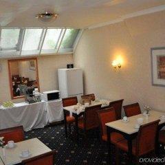 Отель Corbigoe Hotel Великобритания, Лондон - 1 отзыв об отеле, цены и фото номеров - забронировать отель Corbigoe Hotel онлайн питание фото 2
