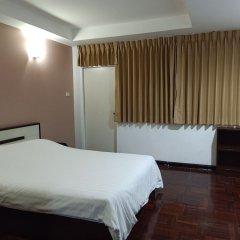 Отель Le Vanvarothai Saladaeng Residence Бангкок комната для гостей фото 4