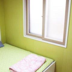 Отель Patio 59 Hongdae Guesthouse Южная Корея, Сеул - отзывы, цены и фото номеров - забронировать отель Patio 59 Hongdae Guesthouse онлайн комната для гостей фото 2