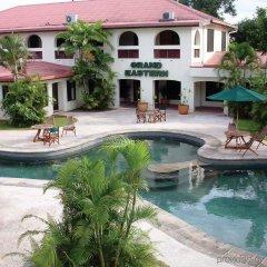 Отель Grand Eastern Hotel Фиджи, Лабаса - отзывы, цены и фото номеров - забронировать отель Grand Eastern Hotel онлайн бассейн