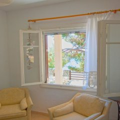 Гостевой Дом Barlee BeachFront House Metamorfosi комната для гостей фото 3