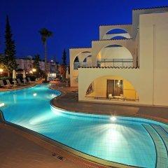 Petrosana Hotel Apartments бассейн фото 5