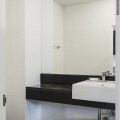 Отель Condo in Karon in Chic Condo (Unit B603) ванная фото 2