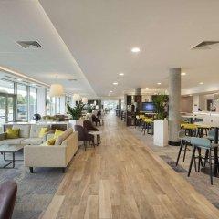 Отель Hampton by Hilton London Stansted Airport гостиничный бар