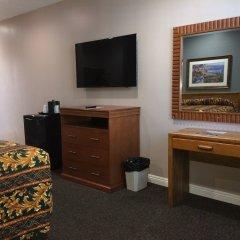 Отель Dunes Inn - Wilshire удобства в номере фото 2