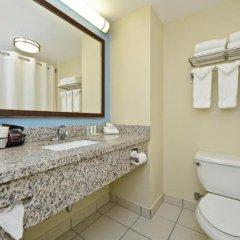 Отель Comfort Suites Tulare ванная фото 2