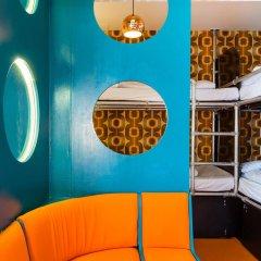 Отель Copenhagen Downtown Hostel Дания, Копенгаген - 1 отзыв об отеле, цены и фото номеров - забронировать отель Copenhagen Downtown Hostel онлайн интерьер отеля