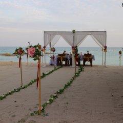Отель First Bungalow Beach Resort Таиланд, Самуи - 6 отзывов об отеле, цены и фото номеров - забронировать отель First Bungalow Beach Resort онлайн помещение для мероприятий