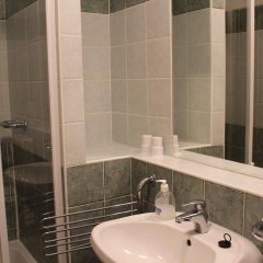Отель Boulevard City Guesthouse Венгрия, Будапешт - отзывы, цены и фото номеров - забронировать отель Boulevard City Guesthouse онлайн ванная