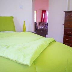 Отель Ocho Rios Getaway Villa at Draxhall Ямайка, Очо-Риос - отзывы, цены и фото номеров - забронировать отель Ocho Rios Getaway Villa at Draxhall онлайн комната для гостей фото 2