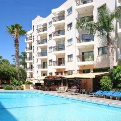 Отель Alva Hotel Apartments Кипр, Протарас - 3 отзыва об отеле, цены и фото номеров - забронировать отель Alva Hotel Apartments онлайн бассейн фото 2