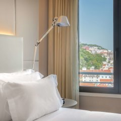 Отель NH Collection Lisboa Liberdade Португалия, Лиссабон - отзывы, цены и фото номеров - забронировать отель NH Collection Lisboa Liberdade онлайн комната для гостей