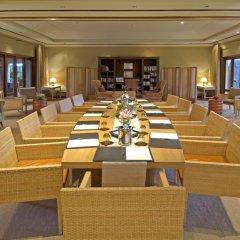 Отель Maradiva Villas Resort and Spa фото 2
