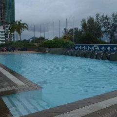 Отель Evergreen Laurel Hotel Penang Малайзия, Пенанг - отзывы, цены и фото номеров - забронировать отель Evergreen Laurel Hotel Penang онлайн бассейн фото 2
