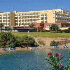 Отель Atlantica Sea Breeze Кипр, Протарас - отзывы, цены и фото номеров - забронировать отель Atlantica Sea Breeze онлайн приотельная территория фото 2