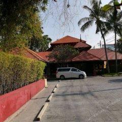 Отель Escape Hua Hin парковка