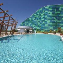Отель Hilton Capital Grand Abu Dhabi ОАЭ, Абу-Даби - отзывы, цены и фото номеров - забронировать отель Hilton Capital Grand Abu Dhabi онлайн бассейн