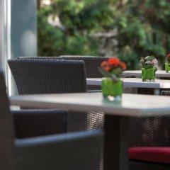 Отель Austria Trend Parkhotel Schönbrunn бассейн