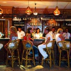 Club Big Blue Suit Hotel гостиничный бар