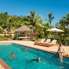 Отель Waidroka Bay Resort бассейн