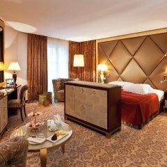 Отель Hôtel Barrière Le Fouquet's комната для гостей фото 2