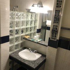 Отель Chelsea Pines Inn США, Нью-Йорк - отзывы, цены и фото номеров - забронировать отель Chelsea Pines Inn онлайн ванная фото 3