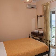Апартаменты Brentanos Apartments ~ A ~ View of Paradise комната для гостей