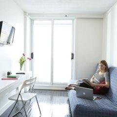 Отель Backpacker College @ EC Vancouver: APT Living Канада, Ванкувер - отзывы, цены и фото номеров - забронировать отель Backpacker College @ EC Vancouver: APT Living онлайн комната для гостей фото 4