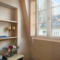 Отель Hôtel Saint Paul Rive Gauche удобства в номере