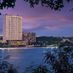 Отель Dusit Thani Guam Resort США, Тамунинг - 1 отзыв об отеле, цены и фото номеров - забронировать отель Dusit Thani Guam Resort онлайн вид на фасад