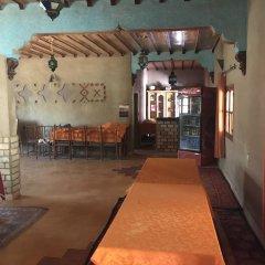 Отель Riad Mamouche Марокко, Мерзуга - отзывы, цены и фото номеров - забронировать отель Riad Mamouche онлайн гостиничный бар