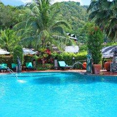 Отель Boomerang Village Resort Таиланд, Пхукет - 8 отзывов об отеле, цены и фото номеров - забронировать отель Boomerang Village Resort онлайн бассейн фото 2