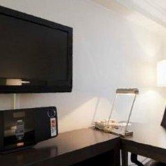 Отель Crowne Plaza Toronto Airport Канада, Торонто - отзывы, цены и фото номеров - забронировать отель Crowne Plaza Toronto Airport онлайн удобства в номере фото 2