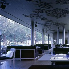 Отель SALA Phuket Mai Khao Beach Resort интерьер отеля