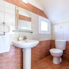Отель Villa Galina Кипр, Протарас - отзывы, цены и фото номеров - забронировать отель Villa Galina онлайн ванная фото 2
