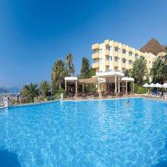Marmaris Resort & Spa Hotel Турция, Кумлюбюк - отзывы, цены и фото номеров - забронировать отель Marmaris Resort & Spa Hotel онлайн бассейн фото 2