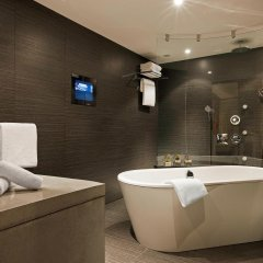 Отель Sofitel Marseille Vieux Port Франция, Марсель - 2 отзыва об отеле, цены и фото номеров - забронировать отель Sofitel Marseille Vieux Port онлайн ванная фото 2