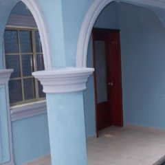 Отель Towne Place Hotel Нигерия, Эпе - отзывы, цены и фото номеров - забронировать отель Towne Place Hotel онлайн балкон