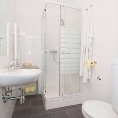 Отель Royal Resort Apartments Puchsbaumgasse Австрия, Вена - отзывы, цены и фото номеров - забронировать отель Royal Resort Apartments Puchsbaumgasse онлайн ванная фото 2