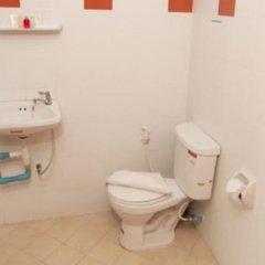 Отель Lucky Lek's Guesthouse ванная