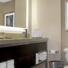 Отель Hilton Times Square США, Нью-Йорк - отзывы, цены и фото номеров - забронировать отель Hilton Times Square онлайн ванная фото 2