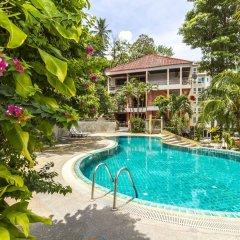Baan Lukkan Hostel бассейн фото 2