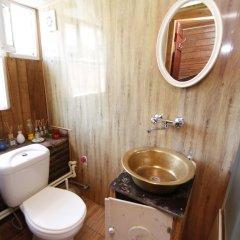 Отель Leon Hostel Грузия, Тбилиси - отзывы, цены и фото номеров - забронировать отель Leon Hostel онлайн ванная фото 2