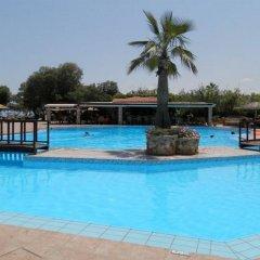 Отель Geraniotis Beach бассейн фото 3