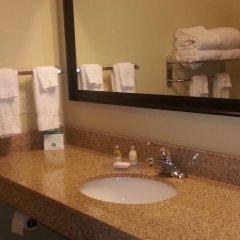 Отель Cobblestone Inn & Suites - Bloomfield ванная фото 2