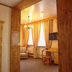 Гостиница Алеша Попович Двор комната для гостей фото 4